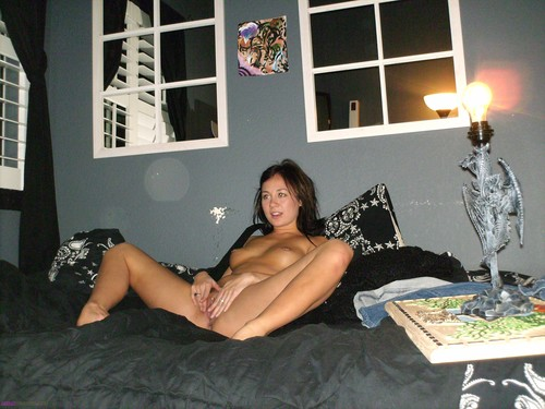 nude uncensored shaved pussy